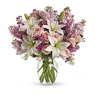 TELEFLORA'S BLOSSOMING BOUQUET
