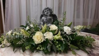 Angel in white Centerpiece