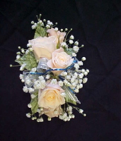 5 Sweetheart Rose Corsage