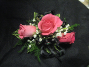 3 Mini Rose Corsage