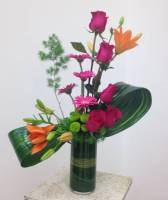 MODERN ROSES FLOWER ARRANGEMENT