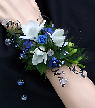 unique Homecoming wrist corsage by Sunnyslope Floral