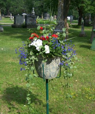 Brainerd Floral Urn Service - Option B