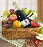 Distinctive Organic Fruit & Cheese Gift Basket