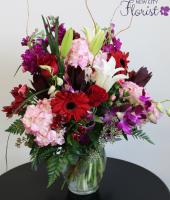 Assorted Pink Hydrangea Vase
