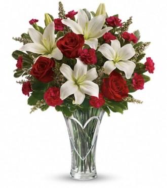 Teleflora\'s Heartfelt Bouquet