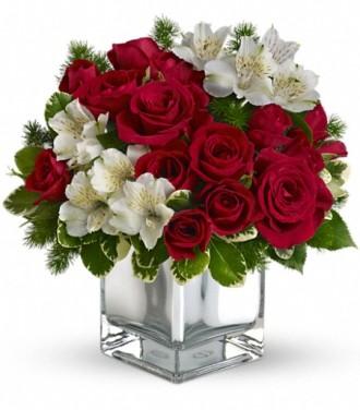 Teleflora\'s Christmas Blush Bouquet