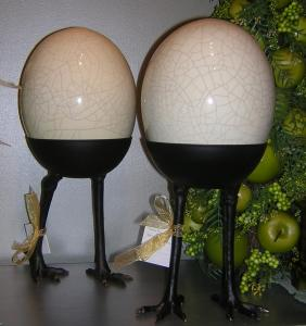 Italian Ceramic Walking or Standing Egg!