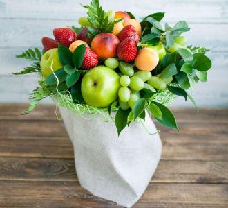 Simple fruit bouquet