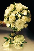 Jade & White Bouquet Package