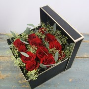 Class Act (1 dozen roses)