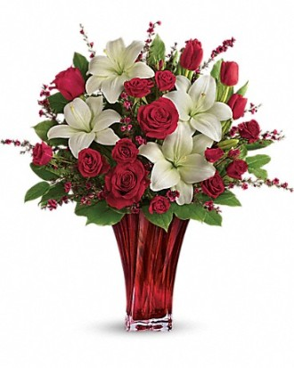 Love\'s Passion Bouquet by Teleflora