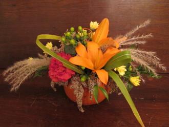 Pumpkin Lily Centerpiece