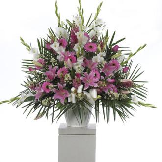 CARISMA FLORISTS® Pink lilies