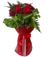 Pearls of Lovev- 12 Roses