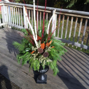 'Cedar' Winter Urn