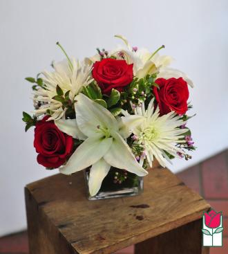 beretania florist chloe bouquet honolulu hawaii compact flower design