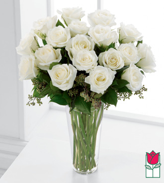 Beretania\'s 1.5 Dozen White Rose Bouquet