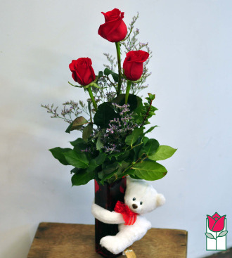 Beretania\'s Rose Hug Bouquet