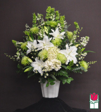 beretania florist makawao sympathy arrangement honolulu funeral flower delivery hawaii