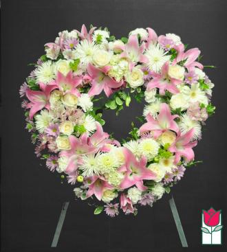beretania florist kaluna heart wreath