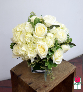 Beretania\'s White Compact Bouquet