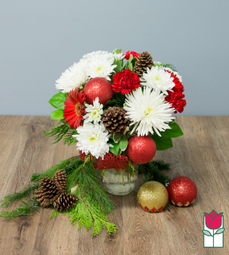 Beretania\'s Holiday Cheer Bouquet