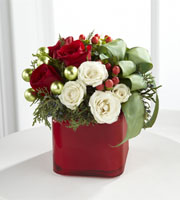 The FTD� Merry & Bright� Bouquet