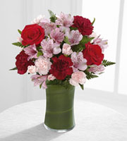 The FTD� Love In Bloom� Bouquet