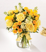 The FTD® Golden Splendor™ Bouquet