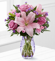 The FTD� Graceful Wonder� Bouquet by Better Homes and Gardens�