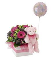 Fleurs, ourson et ballon «C'est une fille»