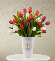 The FTD® Pacific Trends™ Bouquet for Kathy Ireland Home