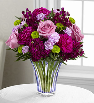 TML The FTD® Timeless Traditions™ Bouquet