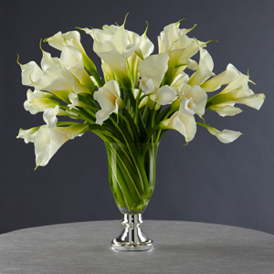The FTD® Light in My Life™ Centerpiece by Vera Wang