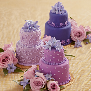 The FTD� Veronica� Mini Cake D�cor