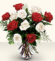 The FTD� Premium Long Stemmed Red & White Rose Bouquet
