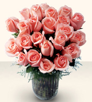 The FTD� Celebrate the Day� Rose Bouquet