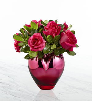 the ftd hold me in your heart rose bouquet