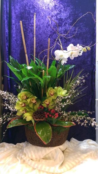 Creative floral designs deluxe english garden basket silver spring deluxe english garden basket mightylinksfo
