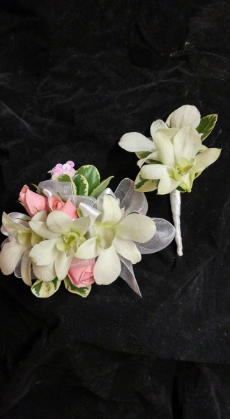 Romantic wrist corsage and boutonniere set
