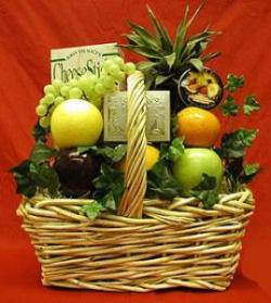 Small Fruit & Gourmet Basket