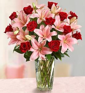 Romantic Roses & Lilies