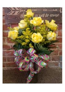 Dozen Yellow Roses with Accent Flowers