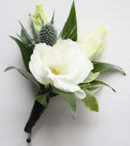 Oleander\'s Bright Whites Boutonniere