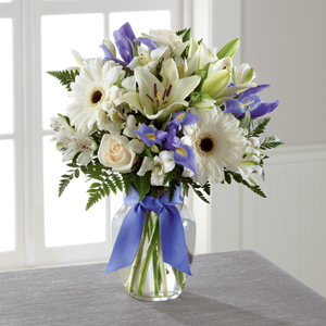 The FTD® Miracle\'s Light™ Hanukkah Bouquet