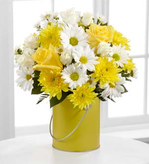 The FTD® Color Your Day With Sunshine™ Bouquet