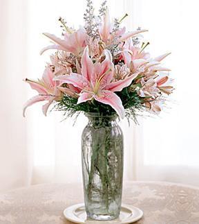 The FTD® Elegant Tribute™ Bouquet