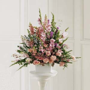The FTD® Peaceful Memories ™ Arrangement