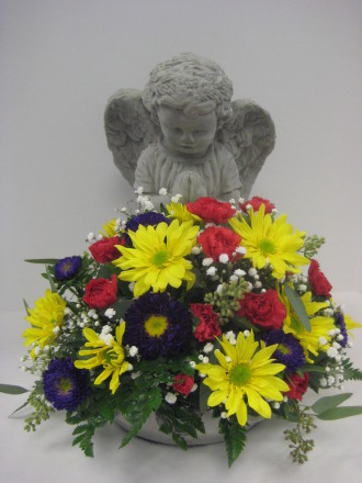 Sympathy angel with a bowl